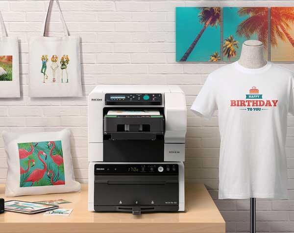 Ein kompakter all-in-one Textil-Direktdrucker